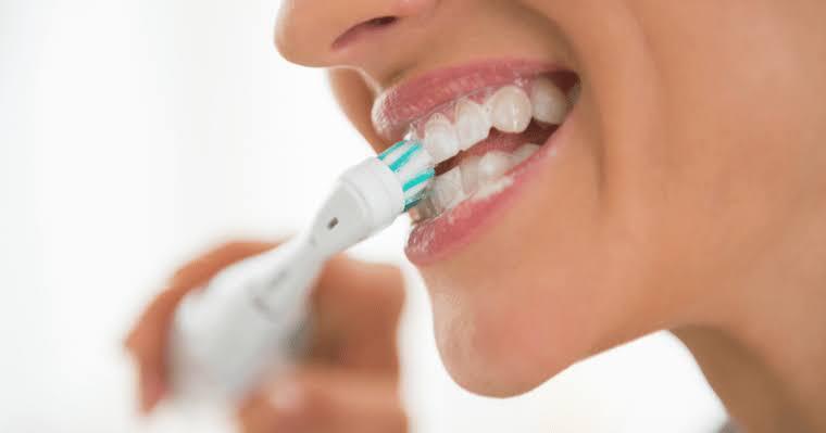 Brushing Teeth Ceaning